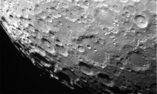 cropped-Clavius_QHY5-with-2x-barlow-on-Skymax-127-1.jpg